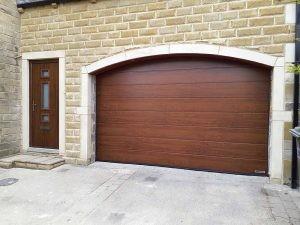 matching_garagedoor_frontdoor1