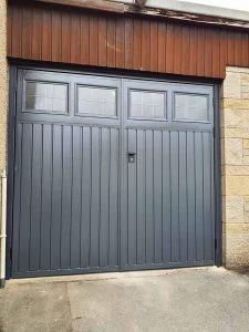 sidehinged_garagedoor_glazing